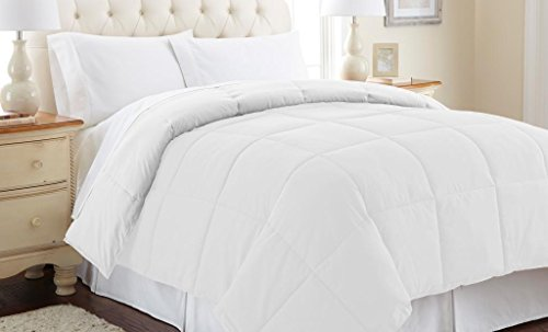 $42.00 Down alternative reversible comforter White/White Queen