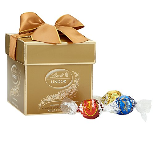 $7.29 Lindt LINDOR Truffles Assorted Chocolate Token Gift Box, 4.7oz