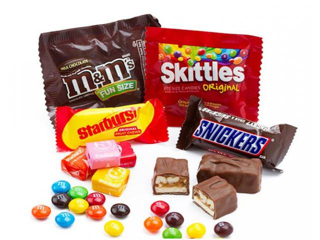 Get A Free Snickers + Skittles Party Pack!